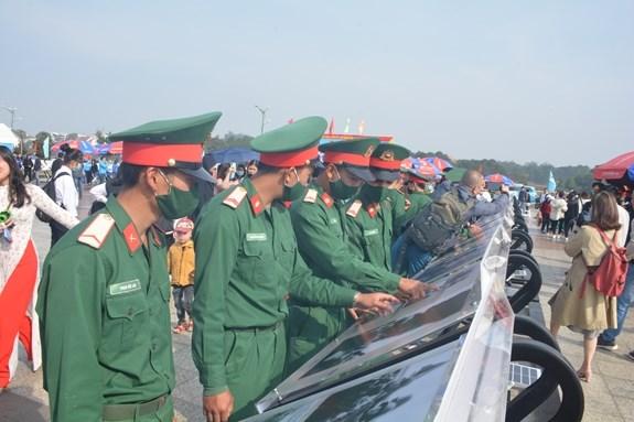 Presentan al publico de Lam Dong la tradicion heroica de las generaciones jovenes vietnamitas hinh anh 1