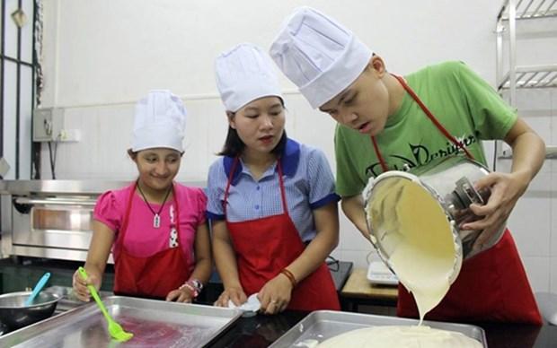 Ofreceran a padres en Vietnam siete mil manuales sobre el cuidado a los ninos con autismo hinh anh 1