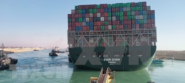 Alertan a exportadores vietnamitas sobre impactos de incidente en Canal de Suez hinh anh 1