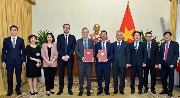 Tratado de libre comercio Vietnam-Reino Unido entrara en vigor en mayo hinh anh 1