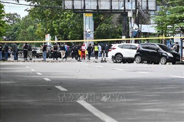 Vietnam condena atentado contra iglesia catolica en Indonesia hinh anh 1
