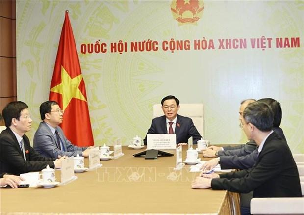 Nuevo presidente del Parlamento vietnamita dialoga con su homologo de Laos hinh anh 1