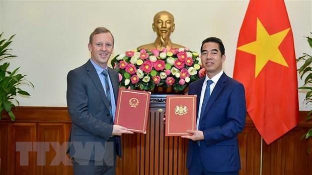 Ofrecen a empresas vietnamitas informaciones sobre mercado britanico hinh anh 1
