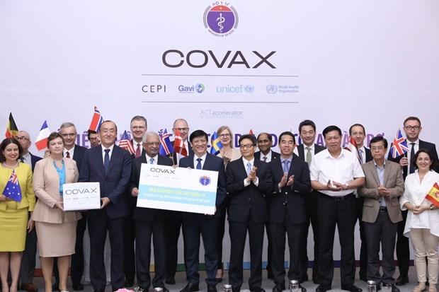 COVID-19: Mas de 51 mil personas vacunadas en Vietnam hinh anh 2