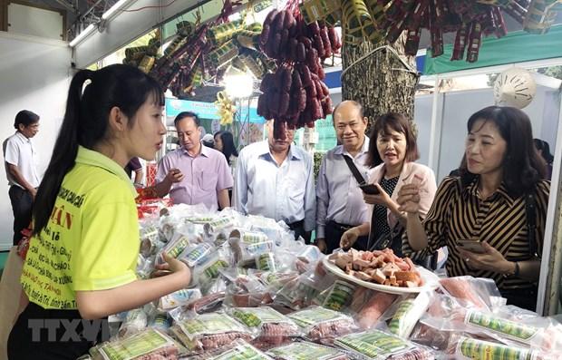 Buscan respaldar a empresas vietnamitas en recuperacion ante el COVID-19 hinh anh 1