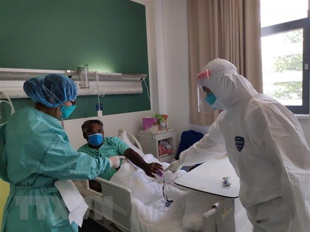 Laos ampliara programa de vacunacion contra el COVID-19 hinh anh 1