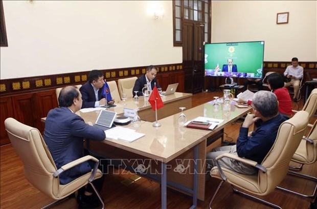 Vietnam propone al Reino Unido intensificar apoyo a ASEAN hinh anh 2