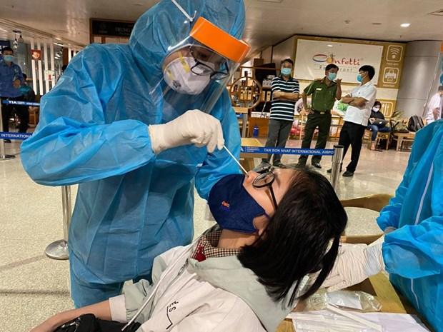 Otro caso importado de COVID-19 en Vietnam en las ultimas 15 horas hinh anh 1