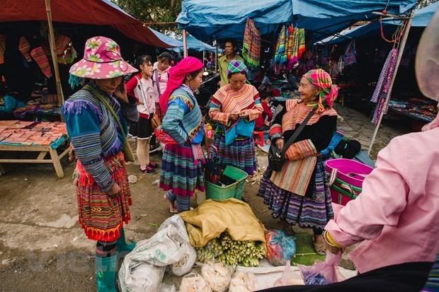 Honran los colores de Vietnam como nacion multietnica hinh anh 1