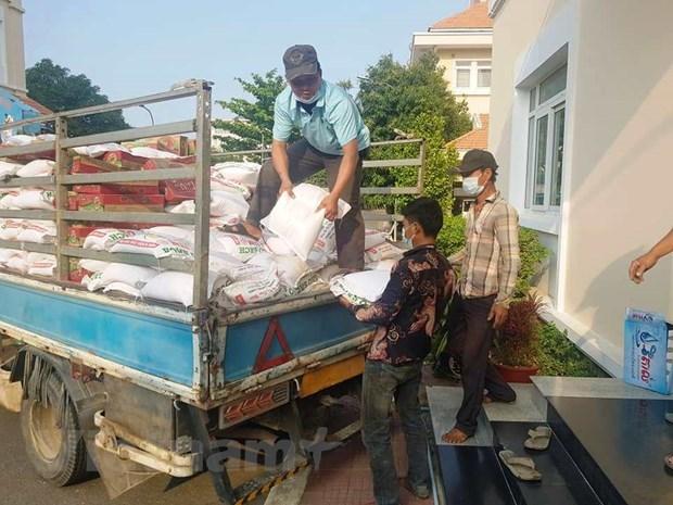 COVID-19: Ofrecen ayuda a vietnamitas residentes en Camboya hinh anh 1