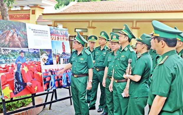 Exhibicion fotografica honra belleza de la frontera vietnamita hinh anh 1