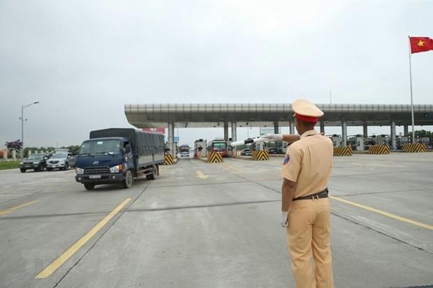 Multan a nueve mil casos en primer dia de campana de seguridad vial en Vietnam hinh anh 1