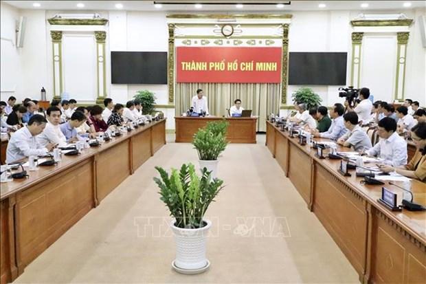 Instan a Ciudad Ho Chi Minh a intensificar medidas preventivas contra COVID-19 hinh anh 2
