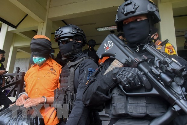 Indonesia coloca a cientos de personas y organizaciones en lista de terroristas hinh anh 1