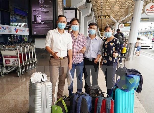 Medicos vietnamitas llegaran a Laos para apoyar la lucha antiepidemica hinh anh 1