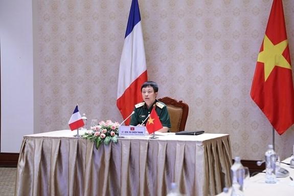 Vietnam y Francia intensifican cooperacion en la defensa hinh anh 1