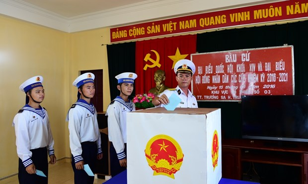 Celebraran elecciones anticipadas en varios barrios del distrito insular vietnamita de Truong Sa hinh anh 1