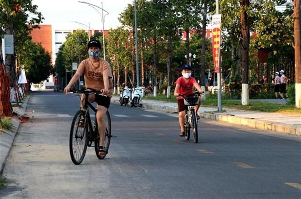 Aplican medidas de distanciamiento social en provincias vietnamitas por COVID-19 hinh anh 1