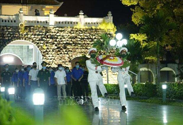 Jovenes vietnamitas conmemoran aniversario 67 de la victoria de Dien Bien Phu hinh anh 2