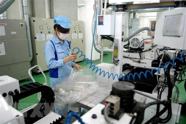 Aumenta inversion vietnamita en el exterior entre enero y abril hinh anh 1