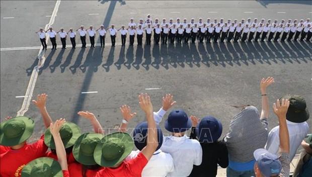 Brigada 955 defiende con firmeza la soberania vietnamita en Truong Sa hinh anh 2