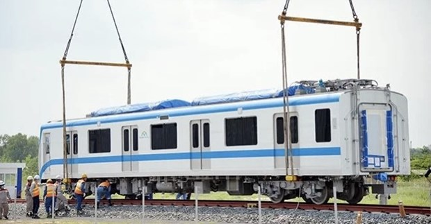 Instalan primeros vagones del tren numero 2 en Linea 1 del metro hinh anh 1