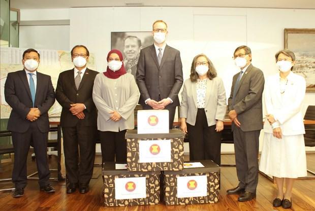 ASEAN apoya a la Republica Checa en respuesta al COVID-19 hinh anh 1