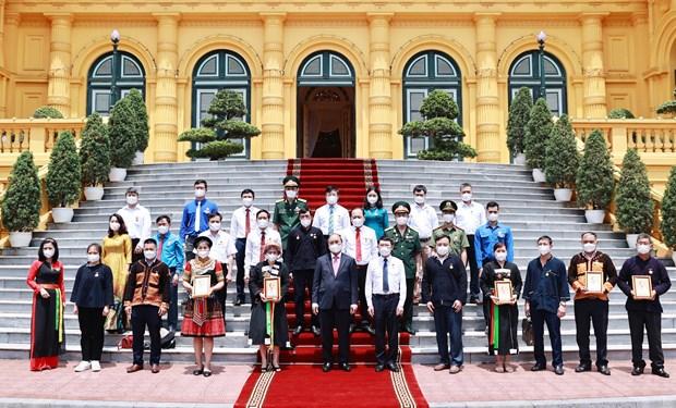 Presidente vietnamita pide mayor atencion a etnias minoritarias en provincia de Bac Giang hinh anh 1