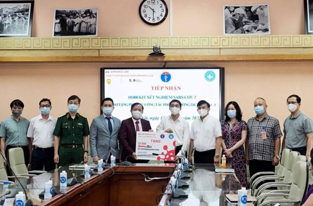 Empresa vietnamita dona 10 mil kits de prueba del COVID-19 al Ministerio de Salud hinh anh 2