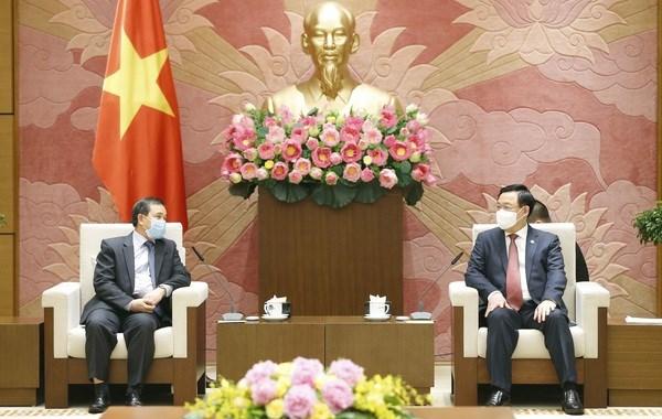 Recibe presidente del Parlamento de Vietnam a embajador de Laos hinh anh 1