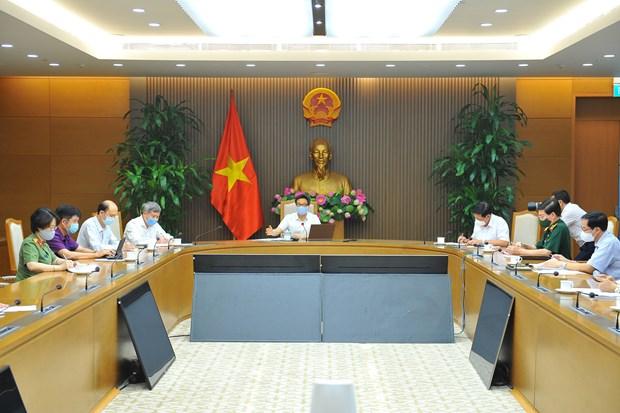 Viceprimer ministro de Vietnam pide mantenerse preparado en la lucha contra COVID-19 hinh anh 2