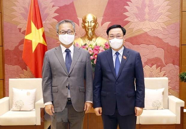 Presidente de la Asamblea Nacional de Vietnam recibe al embajador de Japon hinh anh 1