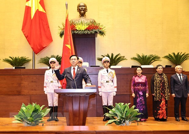 Mas lideres parlamentarios felicitan al presidente de la Asamblea Nacional de Vietnam hinh anh 1