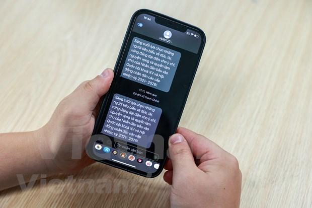 Envian mas de 900 millones de mensajes en Vietnam para concienciar al publico sobre proximas elecciones hinh anh 1