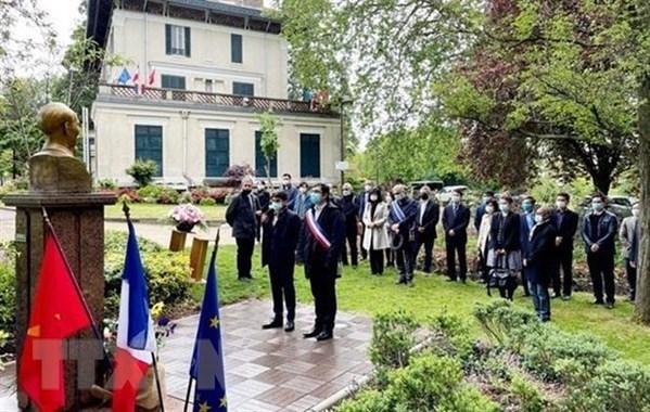 Conmemoran natalicio del Presidente Ho Chi Minh en Francia hinh anh 1