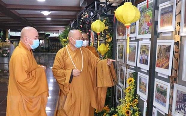 Exposicion por 40 aniversario de fundacion de Sangha Budista vietnamita hinh anh 1