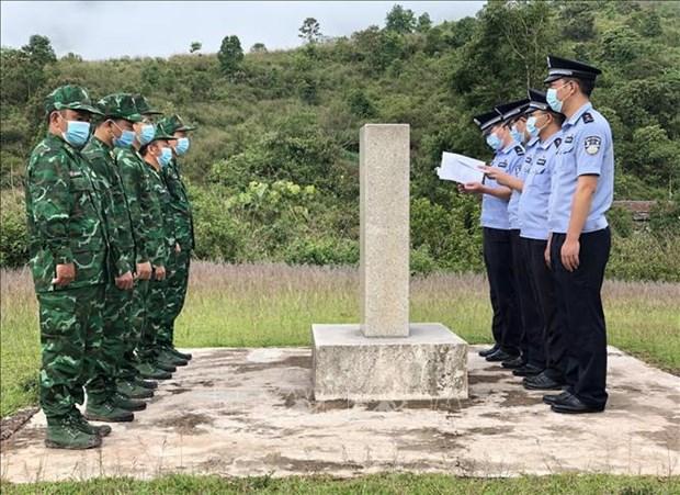 Reunen las fuerzas de guardia fronteriza de Vietnam y China hinh anh 1
