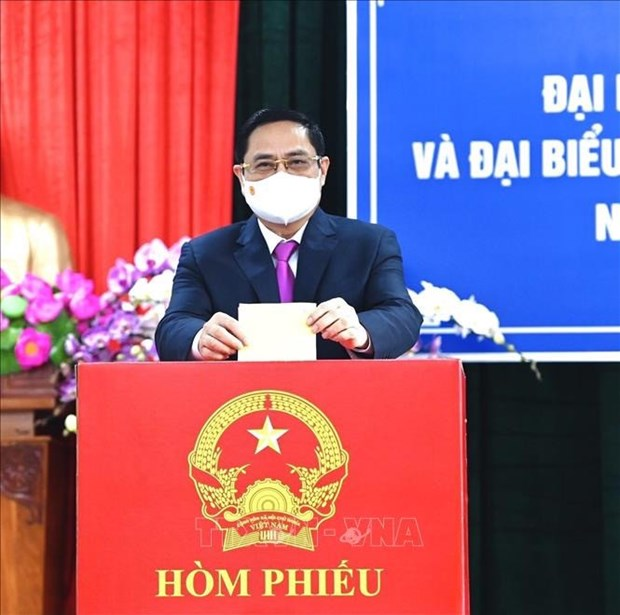 Primer ministro de Vietnam vota en elecciones legislativas en Can Tho hinh anh 1
