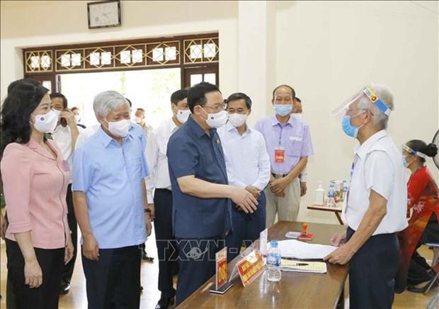 Inspeccionan elecciones en provincias vietnamitas de Bac Giang y Bac Ninh hinh anh 1