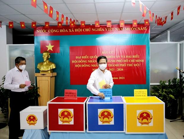 Elecciones legislativas de Vietnam se desarrollan segun lo planeado, afirmo vicepresidente del Parlamento hinh anh 1