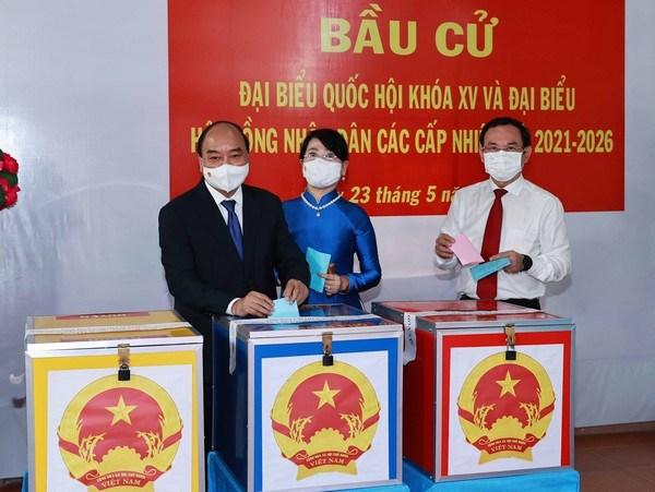 Presidente de Vietnam emite voto en Ciudad Ho Chi Minh hinh anh 1