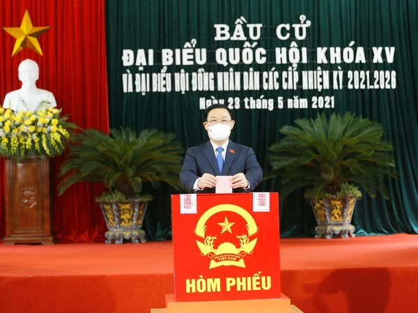 Presidente del Parlamento vietnamita participa en elecciones generales en Hai Phong hinh anh 1