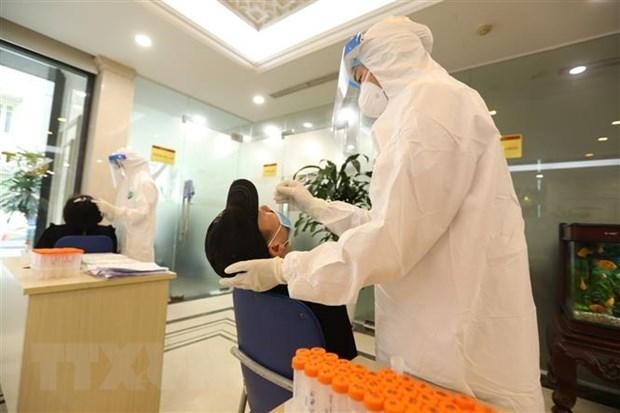 Confirma Vietnam 96 casos del COVID-19, suman cinco mil 424 hinh anh 1