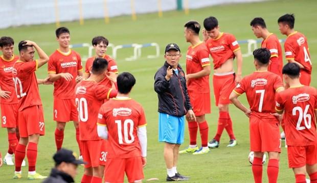 Seleccion vietnamita de futbol partira manana hacia Emiratos Arabes Unidos hinh anh 1