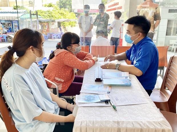 Proponen en Vietnam ofrecer ayuda financiera a trabajadores afectados por el COVID-19 hinh anh 1