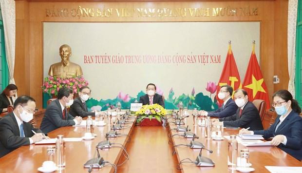 Comisiones de Partidos de Vietnam y Laos intensifican cooperacion hinh anh 1