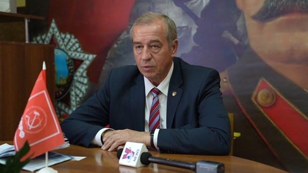 Exgobernador de provincia rusa aprecia lucha de Vietnam contra COVID-19 hinh anh 1