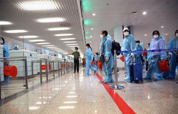 Suspenden vuelos de pasajeros desde el extranjero a aeropuertos de Tan Son Nhat y Noi Bai hinh anh 1
