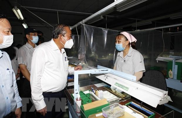Vicepremier supervisa tareas de prevencion contra el COVID-19 en Ciudad Ho Chi Minh hinh anh 1