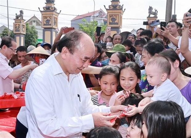 Presidente de Vietnam felicita a los ninos en ocasion de su dia hinh anh 1